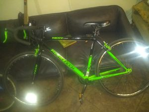 Road tech road bike for Sale in Bakersfield, CA