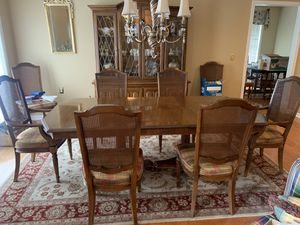 Beautiful Pecan Dining Room Set for Sale in Franklin, TN