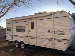 2001 Toy hauler 21 ft for Sale in Apple Valley, CA