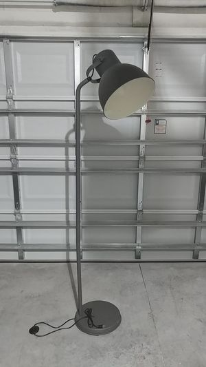 6 foot tall lamp for Sale in Winter Haven, FL