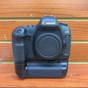 Canon EOS 5D Mark II 21.1 MP Digital SLR Camera for Sale in Los Angeles, CA