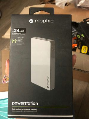 Brand new mophie powerstation power bank portable charger 6000 mah for Sale in Davie, FL
