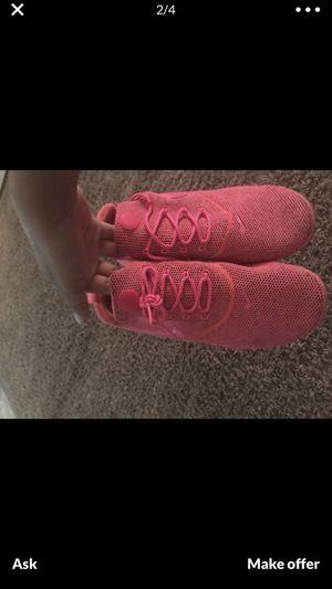 Neon pink nike presto for Sale in Tacoma, WA