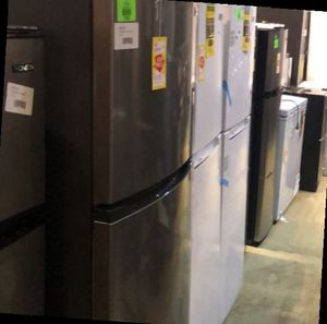 Top Freezer Fridge Liquidation F4SC for Sale in Chino, CA