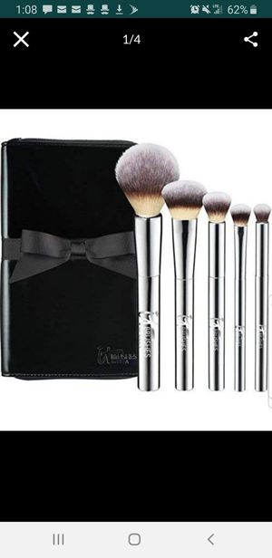 Makeup Brushes - It Airbrush 101 for Sale in Covina, CA