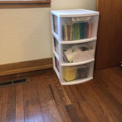 Sterilite 3 Drawer Plastic Storage for Sale in Covington,  WA