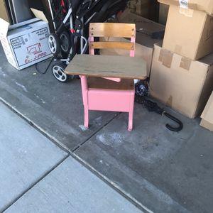 Pink Vintage School Desk for Sale in Victorville, CA