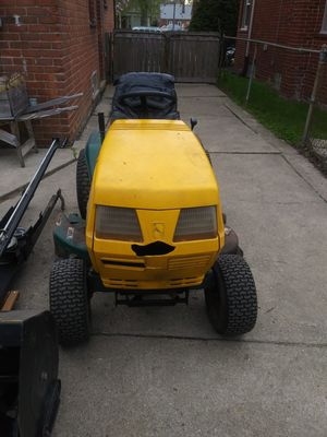 Lawn mower/ snow plow for Sale in Redford Charter Township, MI