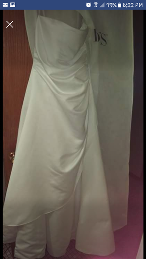 Size 10 womans wedding dress for Sale in Andover, MN