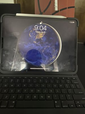 iPad Pro 11 inch for Sale in Wichita, KS