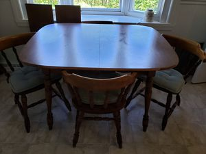 Kitchen Dining Table & Chairs for Sale in NEW KENSINGTN, PA