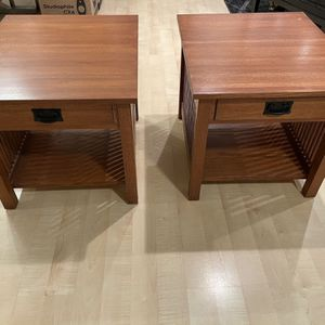 Mission Style Solid Oak End Tables for Sale in Monroe, WA
