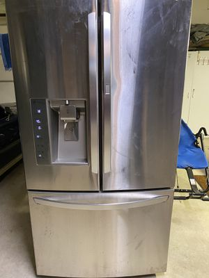 Lg refrigerator for Sale in Amarillo, TX