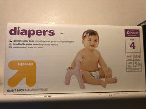 Diapers Size 4 for Sale in Las Vegas, NV