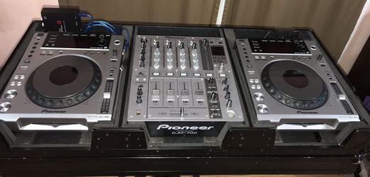 (1)Pioneer DJM-700 Mixer, (2)Pioneer CDJ-850 Players, (1)Serato SL3 Controller, (1)MIDI USB cable, (1) RocketFish 4ports USB Hub, (1)Odyssey BlK Case for Sale in Damascus,  MD