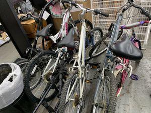 Varies bikes men's /women /kids for Sale in Chicago, IL