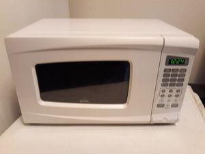 $15 SMALL CHEAP16 MICROWAVE- AVAILABLE FOR IMMEDIATE PICKUP/DELIVERY OK for Sale in Trenton, NJ