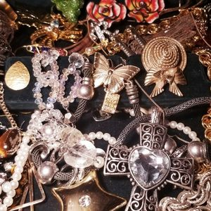 Vintage Jewelry Lot for Sale in Yakima, WA