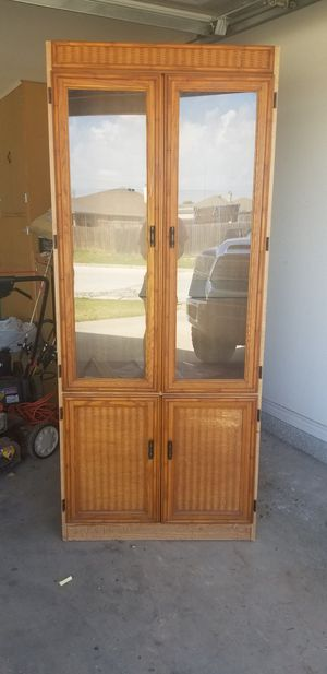 Nice china cabinet for Sale in Abilene, TX