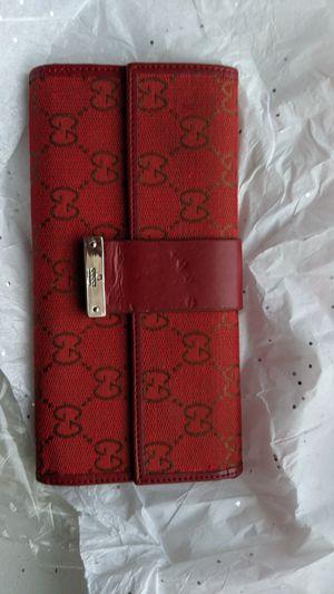 Woman's Gucci wallet for Sale in Boston, MA