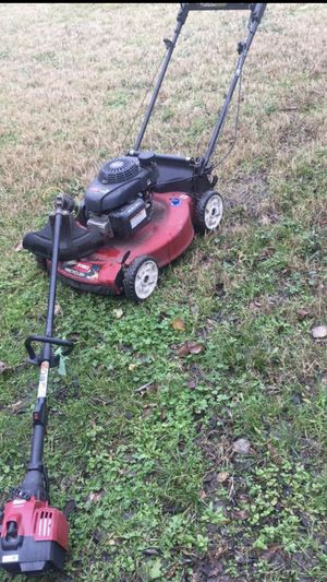 Transmission lawn mower, starts at firs pull and weed eater for Sale in Dallas, TX