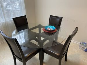 Dining table for Sale in Sanatoga, PA