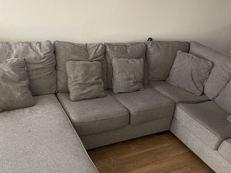 Full Sectional Couch (All Detatchable) for Sale in Santa Ana,  CA