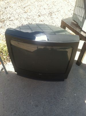 Fat tv. Was asking $40 but don't need it and want it gone so I'll do $20 for Sale in Albuquerque, NM
