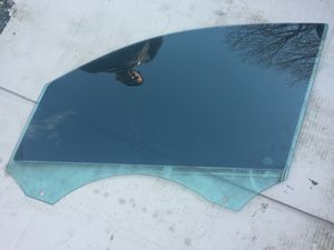 2009 2010 AUDI Q5 FRONT LEFT DOOR WINDOW GLASS for Sale in Silver Spring, MD