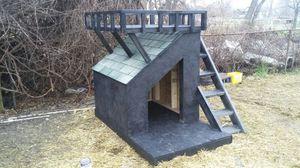 Dog house (custom built) for Sale in Detroit, MI