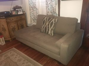 Gray sofa for Sale in Columbus, OH