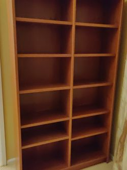 Wooden Bookcase for Sale in Kirkland,  WA