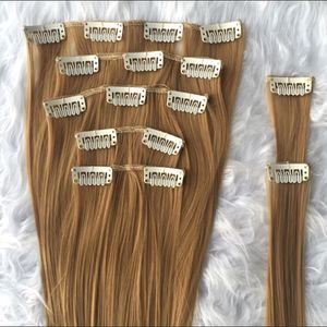 Hair extensions 7pcs for Sale in Chicago, IL