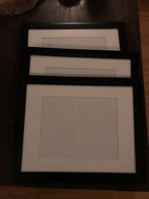 3 - 8x10 picture frames for Sale in Parma, OH