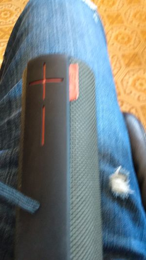 UE Boom Great Quality Bluetooth Speaker for Sale in Minneapolis, MN