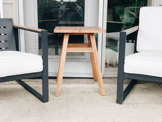 Patio set   Chairs, Rug + Side Table for Sale in Newberg,  OR