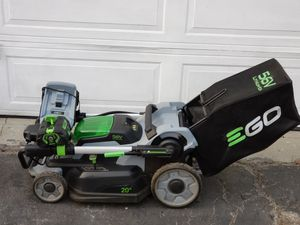 EGO POWER BATTERY POWERED 56 VOLT LAWN MOWER. for Sale in Torrance, CA