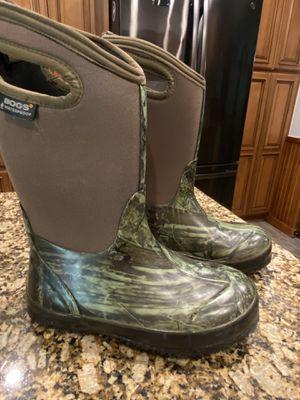 BOGS Rain Boots Size 4 Mossy Oak Camo print for Sale in Lutz, FL