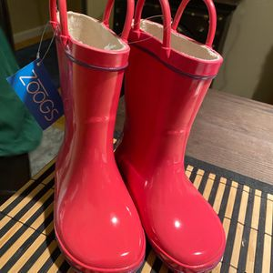 New Slicker Boots With Pull Up Handles - Great For Rain And Snow ⛄️ for Sale in Las Vegas, NV