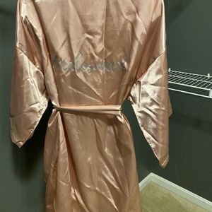 Bridesmaid Robe Large for Sale in Upper Marlboro, MD