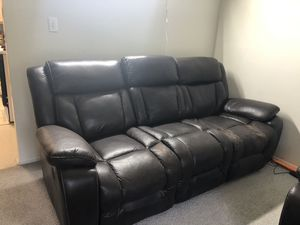 Leather recliner sofa for Sale in North Brunswick Township, NJ