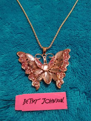 """New Betsey Johnson pink rhinestone Golden Butterfly pendant necklace. 13/4"""" × 1 3/4"""". 7mm thick for Sale in NEW PRT RCHY, FL"""