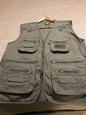 Tactical vest for concealed Carry great for fishing too for Sale in Corrales, NM