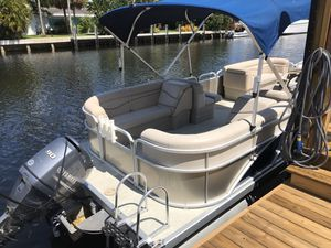Pontoon boat for Sale in Aventura, FL