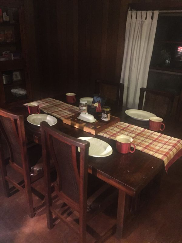 China Cabinet with Table 4 chairs , There's 7 picture