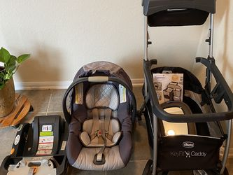Chicco KeyFit 30 Baby Car Seat + Accessories for Sale in Katy,  TX