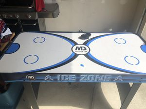 MD Air Hockey Table for Sale in New Baltimore, MI