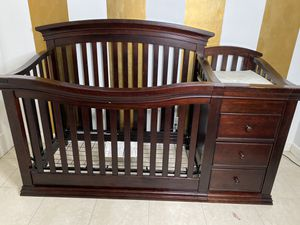 Sorelle Verona crib and changing table for Sale in North Lauderdale, FL
