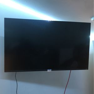 50 inch TCL Roku TV with Wall Mount for Sale in Windsor Mill, MD