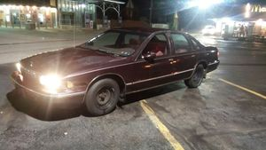 95 Chevy caprice for Sale in Pittsburgh, PA